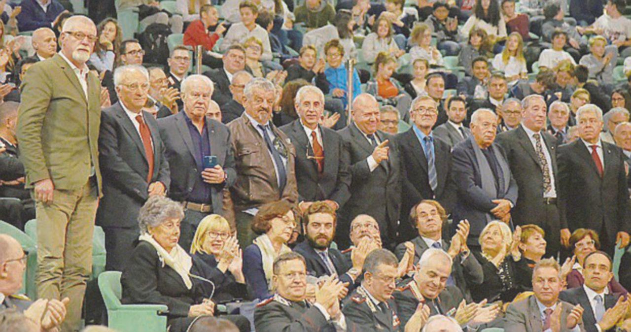 L'applauso riparatore agli undici che salvarono la democrazia