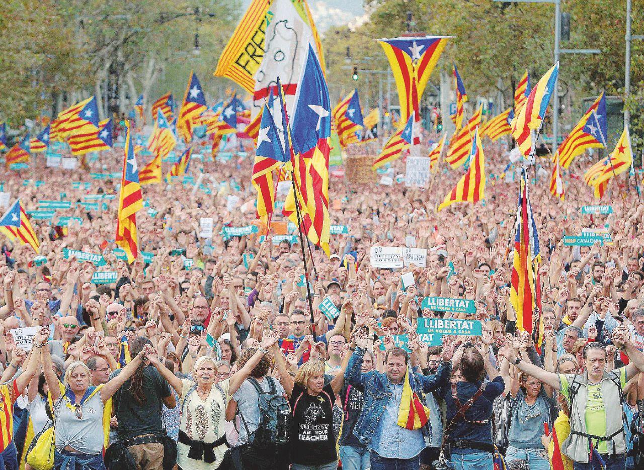 Sul Fatto del 22 ottobre – Il colpetto di Stato di Rajoy. 'Ma la nostra lotta continuerà'
