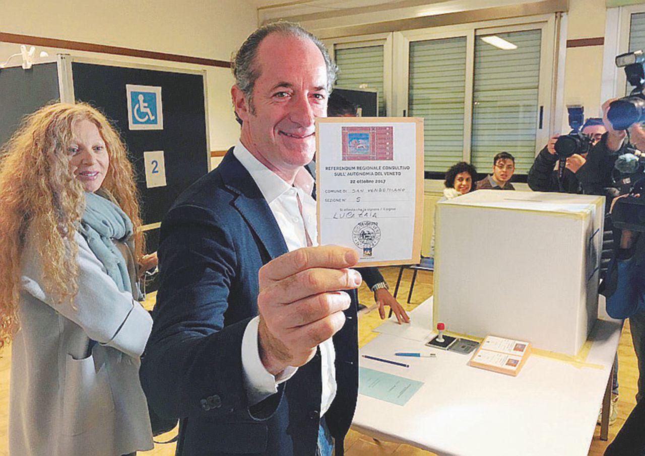 In Edicola sul Fatto Quotidiano del 23 ottobre: Nel voto consultivo per l'autonomia delle due Regioni, il governatore del Veneto trionfa col superamento del  quorum della metà più uno