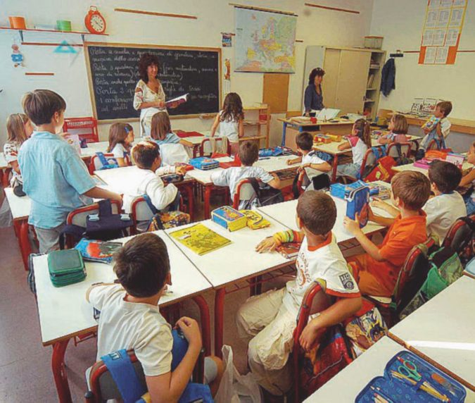 """A scuola la """"carta d'Europa"""" sì. La nostra no"""