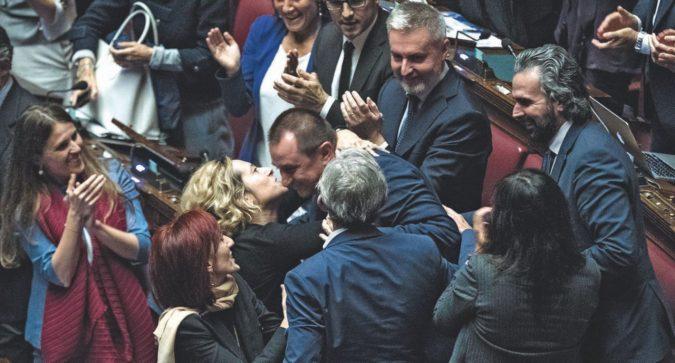 Dopo le infinite forzature di Montecitorio, siamo all'ennesimo sfregio alla Costituzione