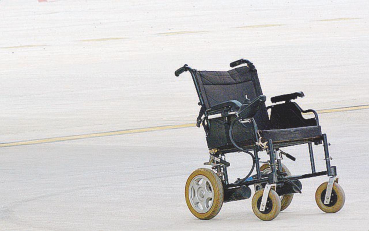 Sedie A Rotelle Leggere : Andrea che viaggia in sedia a rotelle vuota il fatto quotidiano