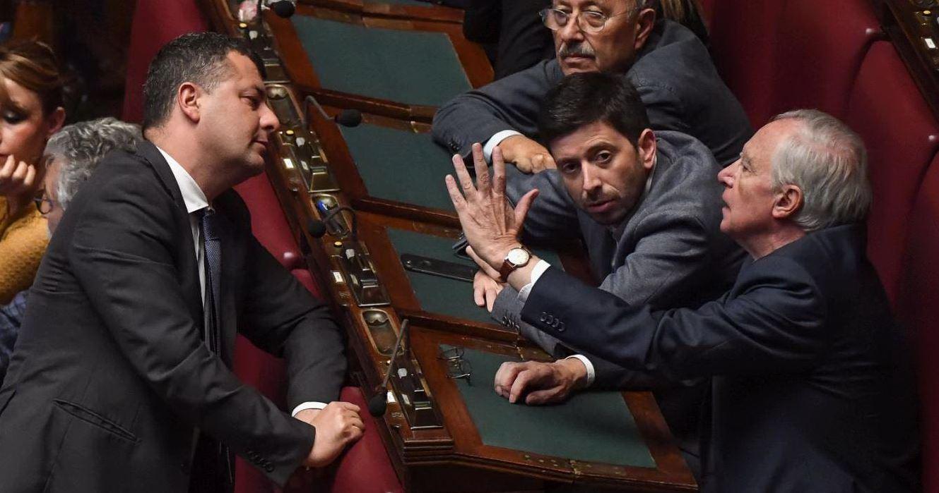 Mdp apre a Renzi, Rosato: 'Ok, ma votino Rosatellum senza modifiche'. Bersani: 'Se arroganti, punto di non ritorno'