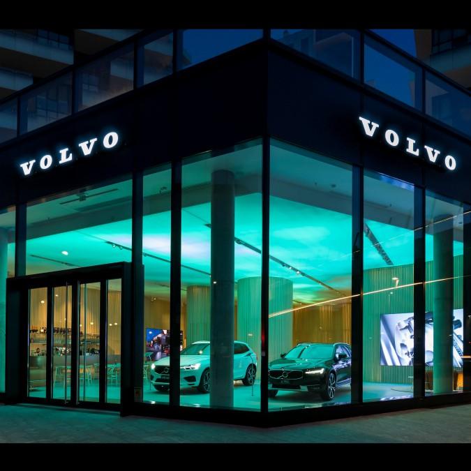 Volvo Studio, un salotto svedese tra i grattacieli di Milano