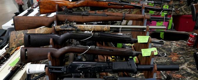Las Vegas, la lobby delle armi chiede regole sul dispositivo usato nella strage. Per evitare che il dibattito si allarghi