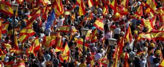 """Catalogna, a Barcellona la marcia degli unionisti. Vargas Llosa: """"La passione può essere distruttiva"""""""