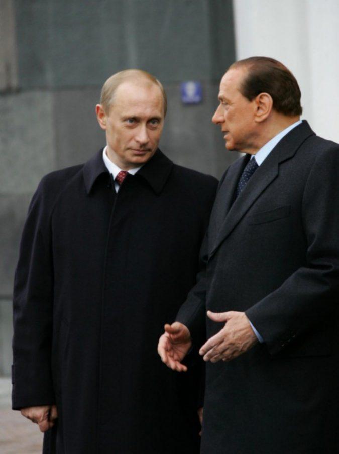 Vladimir Putin, il presidente della Federazione russa festeggia il compleanno: ecco il particolare regalo di Berlusconi