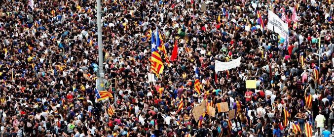 """Catalogna, Madrid chiude Parlamento di Barcellona: 'No seduta pro-indipendenza' Bruxelles: """"Rischio guerra civile nell'Ue"""""""