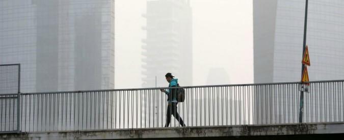 Smog: maglia nera a Brescia, Torino e Lodi. Livello di Pm10 superato in 19 città. Ma nel complesso calano le polveri sottili