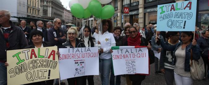 Migranti, nel 2016 quasi 185mila hanno preso cittadinanza italiana. Record di permessi di soggiorno a chi chiede asilo