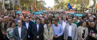 """Barcellona, 500mila catalani in piazza contro il commissariamento. Puigdemont a Rajoy: """"Peggior attacco da Franco"""""""