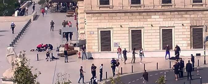 """Marsiglia, accoltella e uccide due donne in stazione: abbattuto dalla polizia. Ha gridato: """"Allah Akbar"""""""