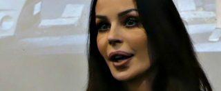 """Ostia, Nina Moric alla cena elettorale di Casapound: """"Io candidata? Se lo ha fatto Razzi, posso farlo anch'io"""""""