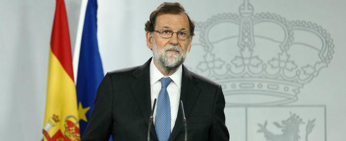 """Catalogna, Rajoy: """"Sciolto il Parlamento catalano, nuove elezioni il 21 dicembre"""". Ma l'autonomia non verrà sospesa"""