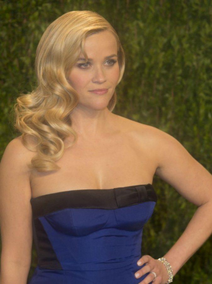 """Reese Witherspoon racconta delle molestie subite quando aveva 16 anni: """"Vorrei dire che è stato un episodio isolato, ma non è così"""""""