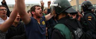 """Voto Catalogna, polizia nazionale carica gli elettori e spara: """"761 feriti"""". Rajoy: """"Non c'è stato nessun referendum, ma una messa in scena"""""""
