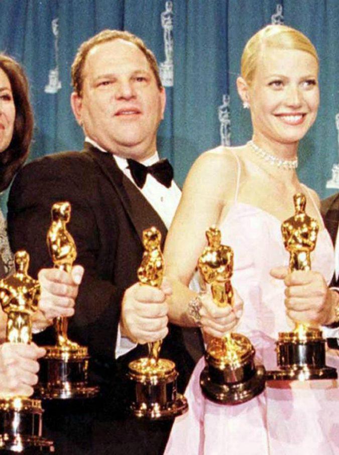 """Caso Weinstein, il produttore espulso dall'Accademia degli Oscar. """"L'era della vergognosa complicità è finita"""""""