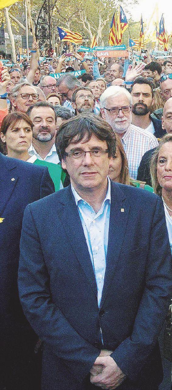 """Il """"successo"""" di Puigdemont: nuove elezioni o il carcere"""