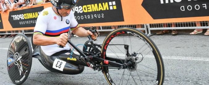 Zanardi, nuovo record: primo paratleta a scendere sotto le nove ore nell'Iron Man