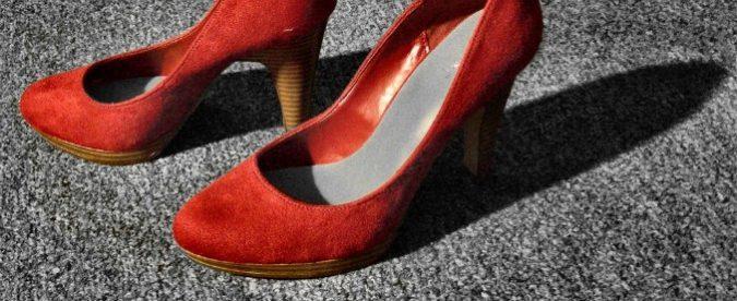 'Col mio frustino da mistress punisco Bertinotti', la gaia anarchia di Helena Velena
