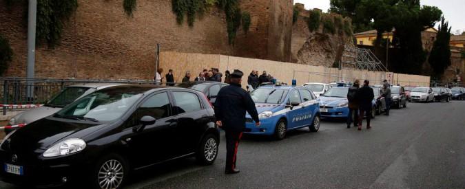 Roma, una donna trovata morta in un sottopasso del centro. Era seminuda e con una profonda ferita alla testa