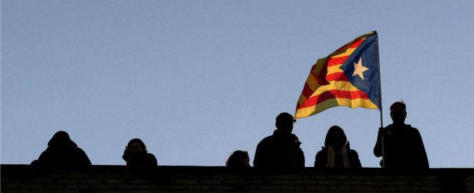 Catalogna, dopo il referendum resta una società che ha dimenticato la democrazia