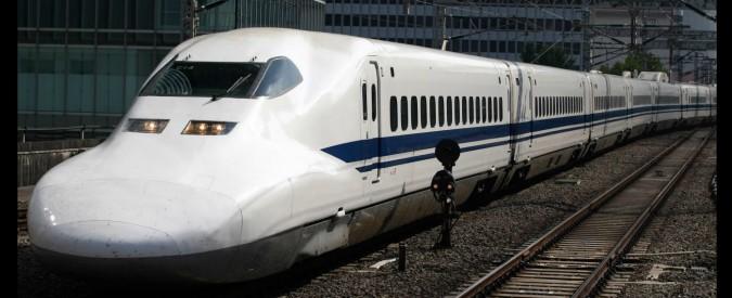 """Giappone, treno parte con 20 secondi di anticipo, la compagnia si scusa: """"Non avevamo controllato l'orario di partenza"""""""