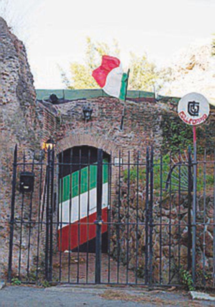 Dopo lo sgombero sequestrata la sede di FdI a Colle Oppio