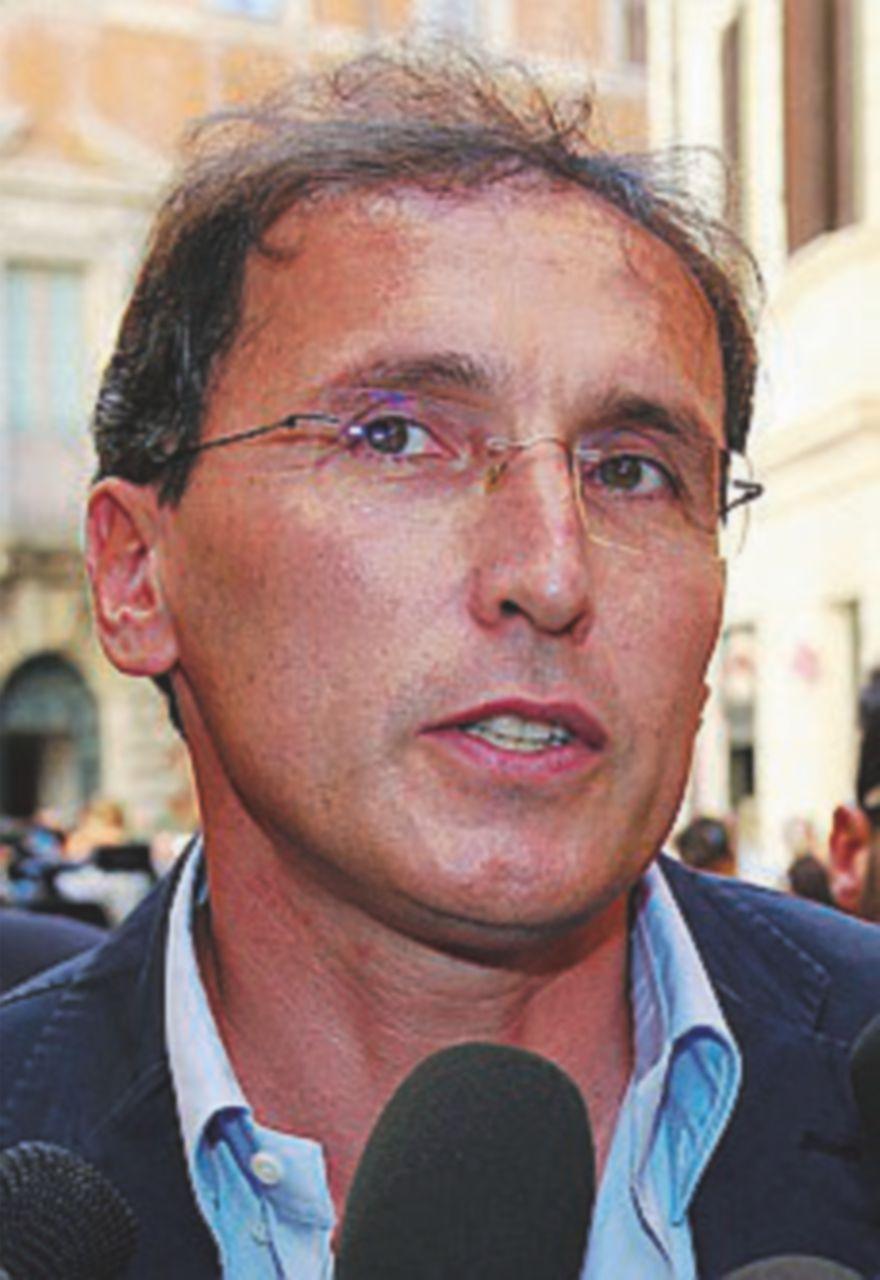 Francesco Boccia (Pd), esposto in Procura sul presunto plagio