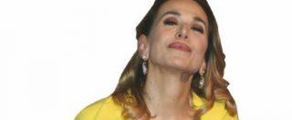 """Milano, picchetto d'onore per Barbara D'Urso. Lei su Instagram: """"Qualcuno pur di attaccarmi inventa. Ciao rosiconi"""""""