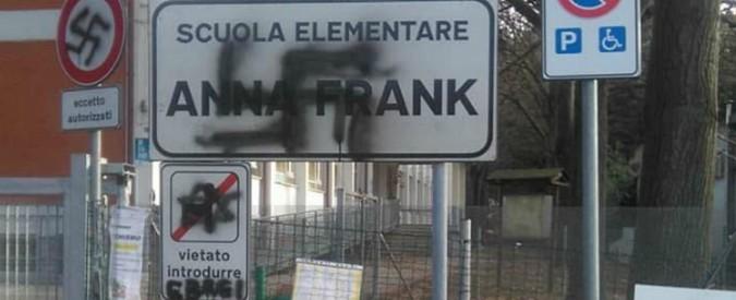 """Pesaro, svastica su scuola intitolata ad Anna Frank: """"Vietato introdurre ebrei"""""""
