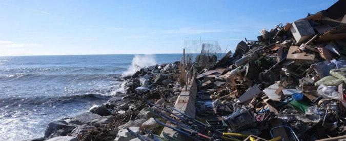Sos rifiuti in mare, l'appello #Faidafiltro al presidente del Senato