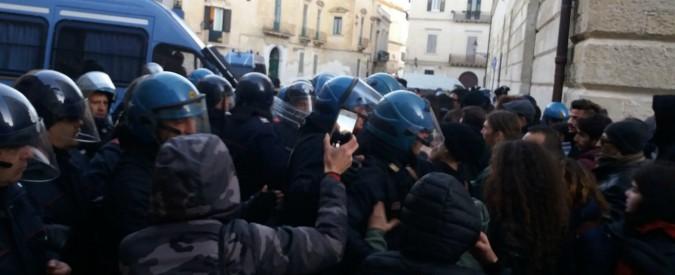 Tap, scontri a Lecce tra polizia e manifestanti contrari al gasdotto