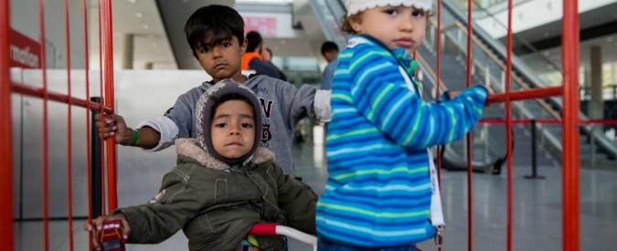 Germania, Merkel a rischio per colpa del ricongiungimento familiare: i migranti spaventano i partiti tedeschi