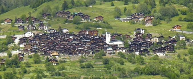 Albinen, il Comune svizzero che paga i nuovi residenti: 21mila euro a ogni persona che si trasferisce