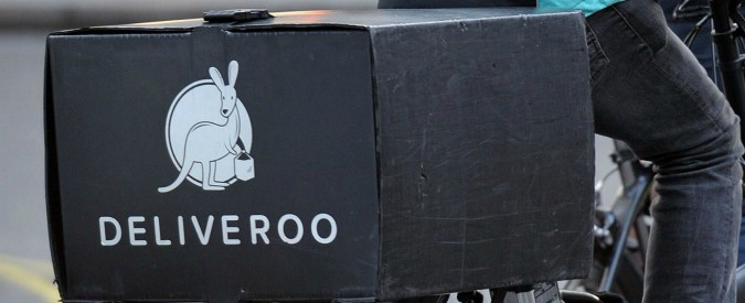 """Food delivery, consigliere Piemonte: """"Da Foodora e Deliveroo niente tasse, più controlli"""". Ma le due aziende si difendono"""