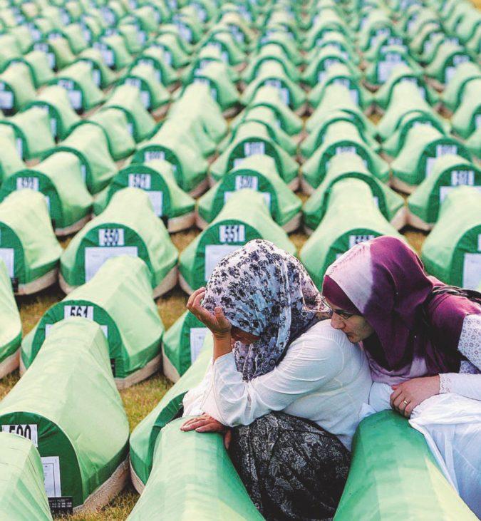 """Mladic i nostri vicini serbi continuano a osannarlo"""