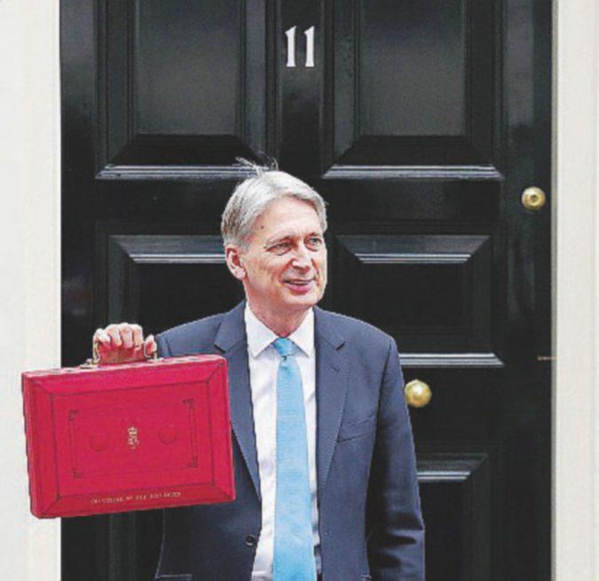 Hammond e la Finanziaria Brexit style