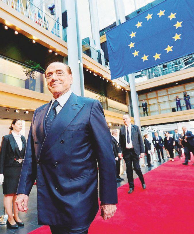 """A Strasburgo B. rispolvera la """"persecuzione politica"""""""
