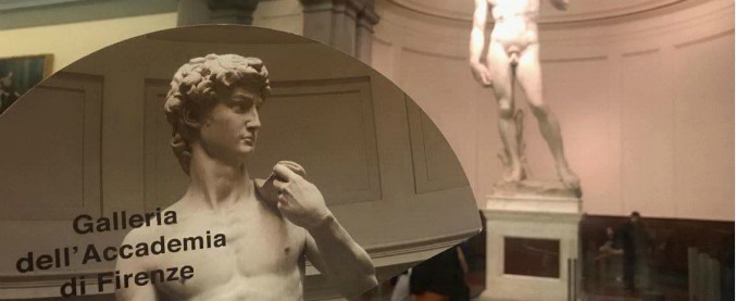 Firenze, ordinanza del tribunale: stop all'uso commerciale del David di Michelangelo