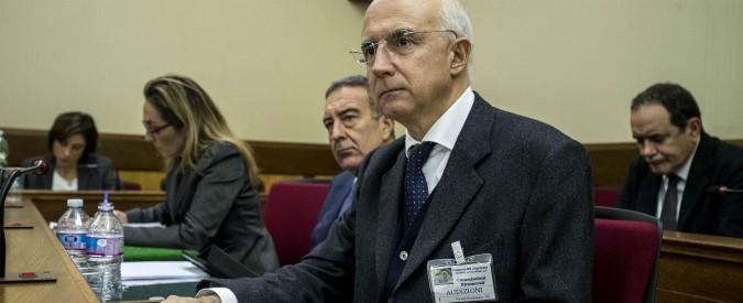 """Banche, il governo conferma l'imputato per il crac Mps. E in commissione d'inchiesta lo difende: """"Nulla osta"""""""