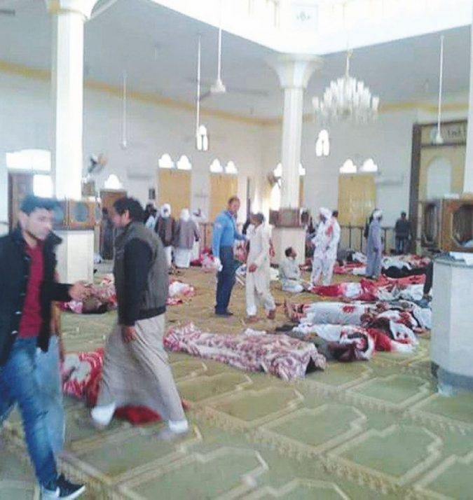 Sinai, ecatombe in moschea. Il caos jihadista su Al-Sisi