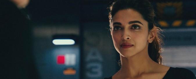 India, 'bruciate l'attrice di Padmavati'. Guai a rendere troppo umana l'eroina di Stato