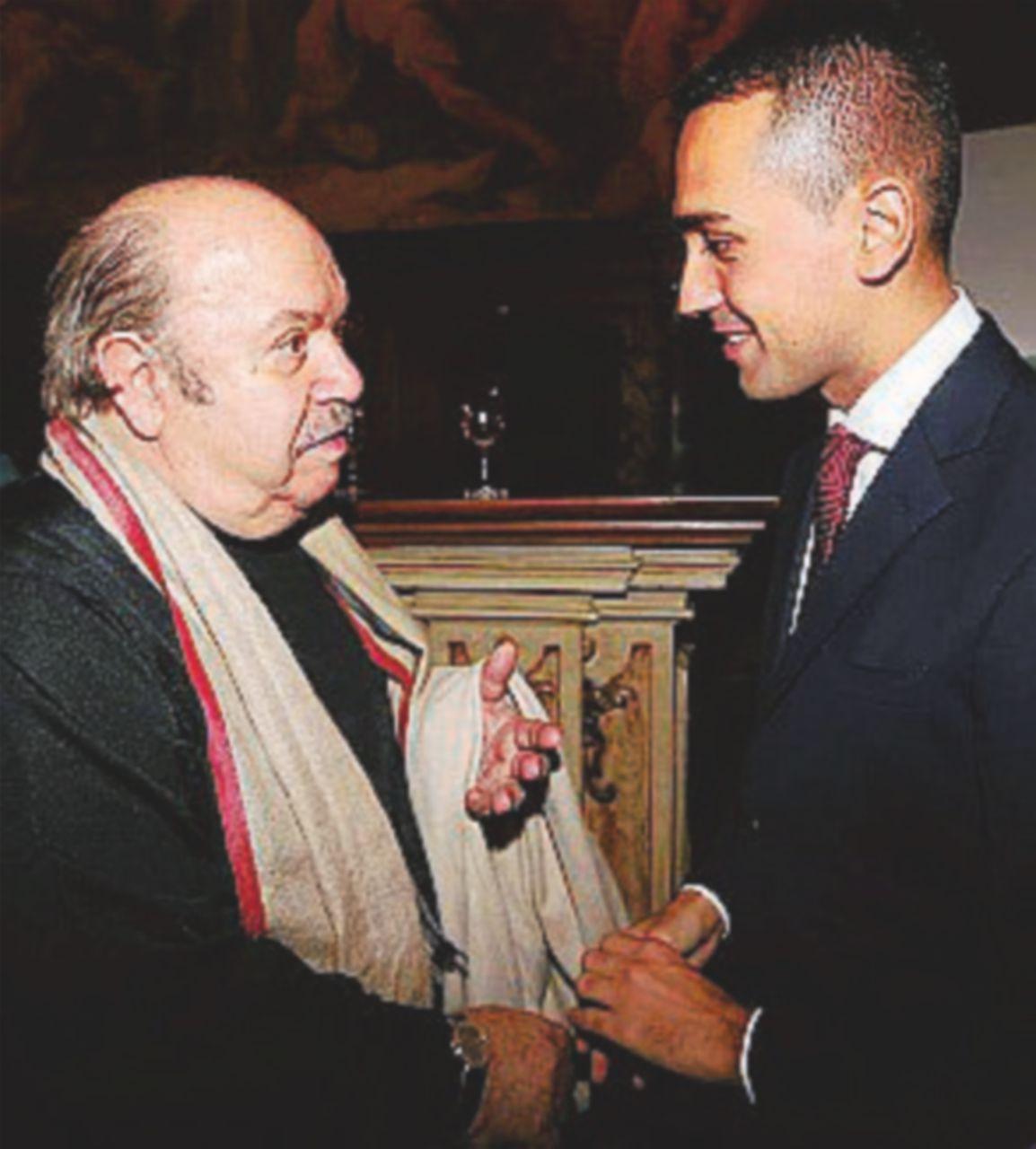 Berlusconi-show tra pensioni, governo e quarta gamba
