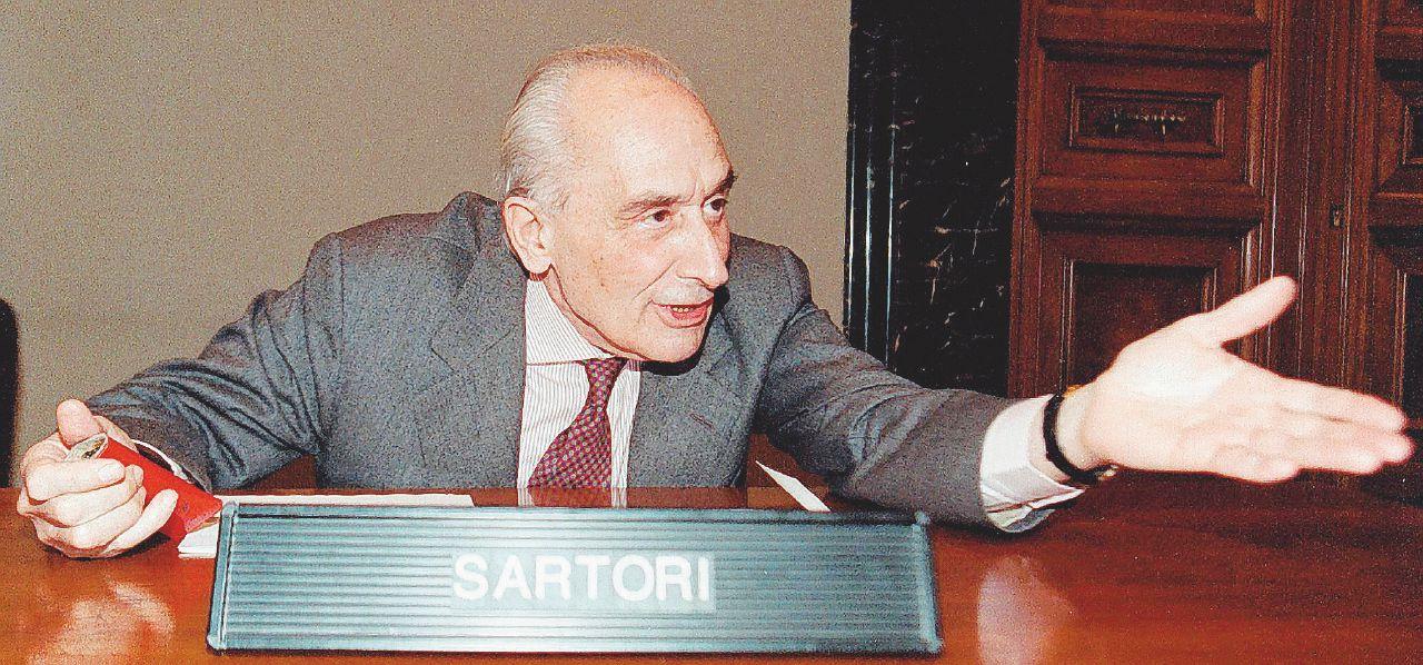 La libertà di Sartori, antidoto all'Italia ostaggio di B. e Renzi