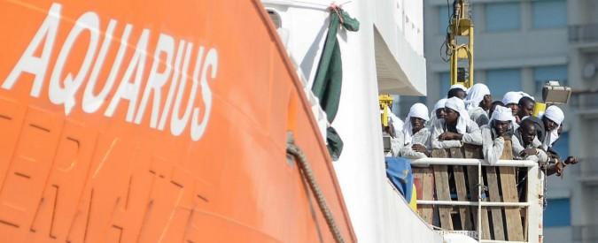 """Aquarius, Msf: """"Due migranti morti nel trasbordo"""". Italia smentisce Malta: """"Inviate sollecitazioni per i soccorsi"""""""