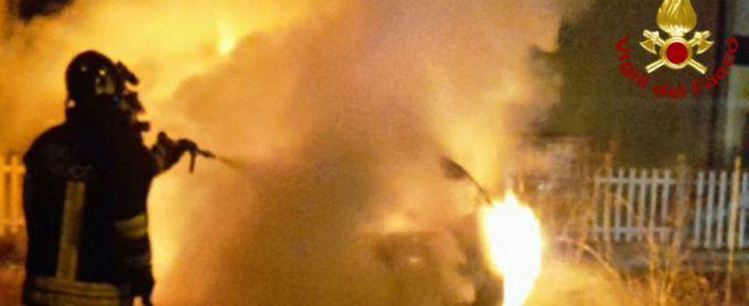 Reggio Emilia, settima auto bruciata da agosto: appartiene alla cognata di un imputato per 'ndrangheta in Aemilia