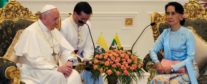 """Papa Francesco in Myanmar: """"Pace nazionale solo col rispetto dei diritti umani"""". Chiaro il riferimento ai Rohingya"""