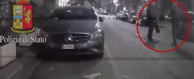 """Milano, tassista aggredito. Il bodybuilder: """"Non gli ho morso l'orecchio"""". Il giudice dispone gli arresti domiciliari"""