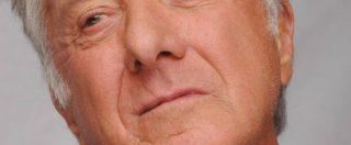 """Dustin Hoffman accusato di molestie sessuali a una 17enne: """"Mi ha toccato il sedere quattro volte"""""""